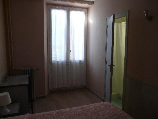 Hôtel de la Paix : Chambre vue 2