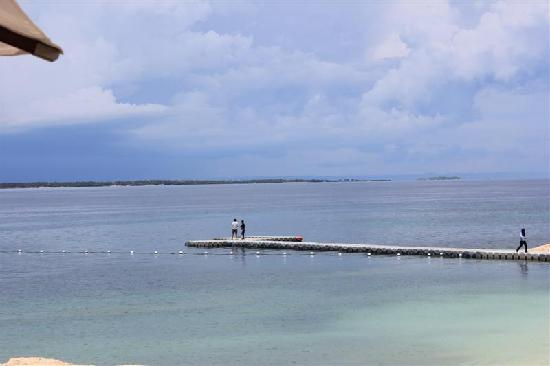 Crimson Resort and Spa, Mactan: Pier