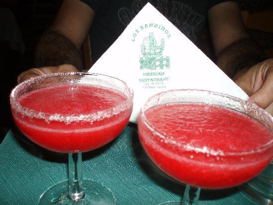 Los Bandidos : stawberry margaritas!!!