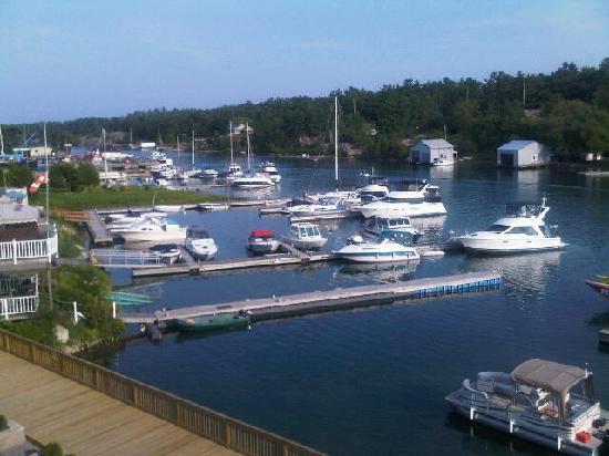 Sportsman's Inn: View of the dock