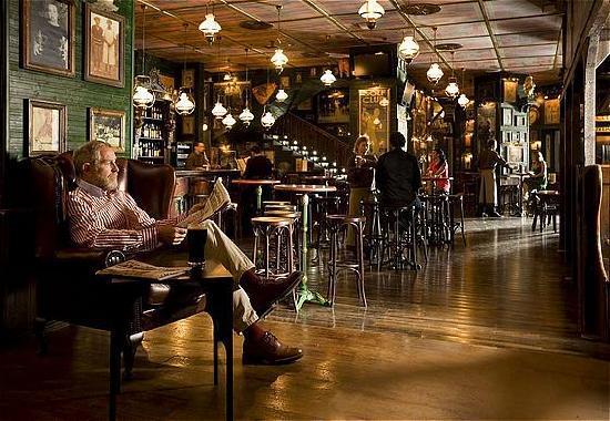 InterContinental Mar Menor Golf Resort & Spa: The Clover Irish Pub