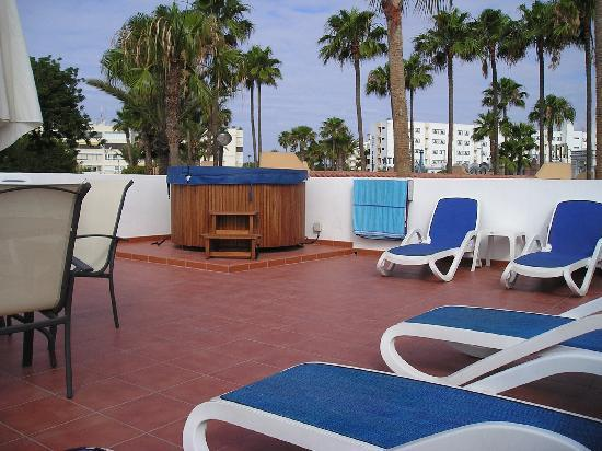 Jardin golf guesthouse reviews price comparison playa for Jardin ingles