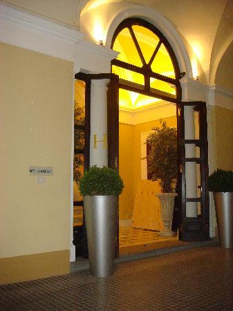 Hotel dei Macchiaioli: Hotel entrance