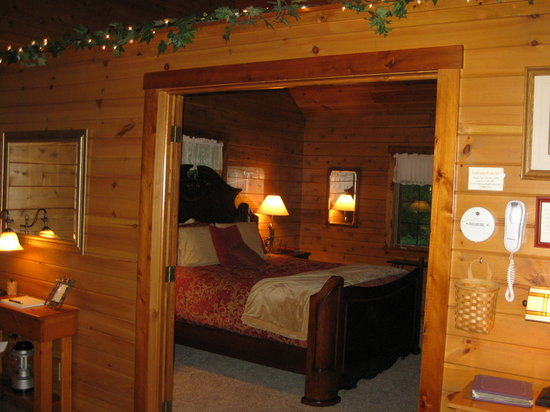 Ferngully Creek: Our King Size Bedroom