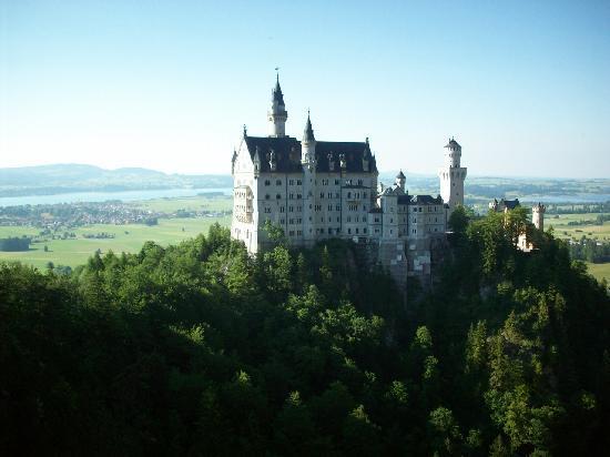 Appartementhotel Seespitz: Schloss Neuschwanstein - 20 minutes away