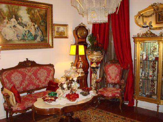 Hostal L' Antic Espai: Hotel living room