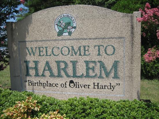 The Laurel and Hardy Museum of Harlem, Georgia: Entrance to the City of Harlem, Georgia