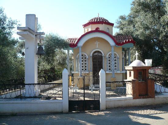 Vathy, Grekland: one of the many small churches around the island
