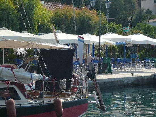 Meganisi Villas: vathi port