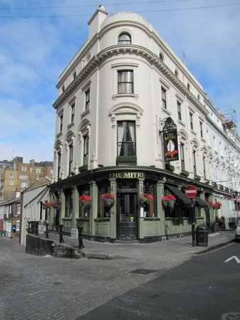 The Mitre in Lancaster Gate: The Mitre