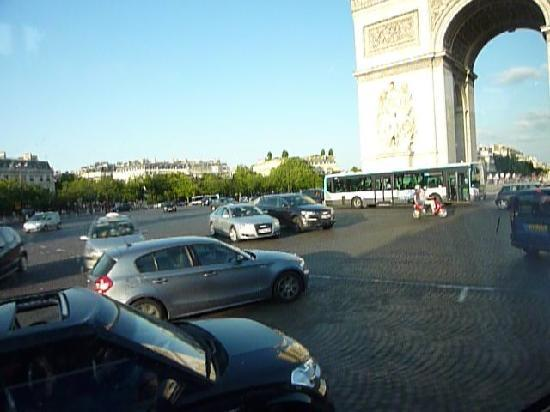 Paris, Frankrike: crazy drivers
