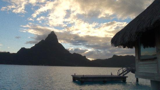 InterContinental Bora Bora Resort & Thalasso Spa: View from our bungalow, the one you see is ours, it was awesome