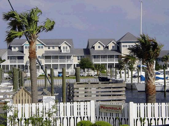 Exterior: The Marsh Harbour Inn on Bald Head Island