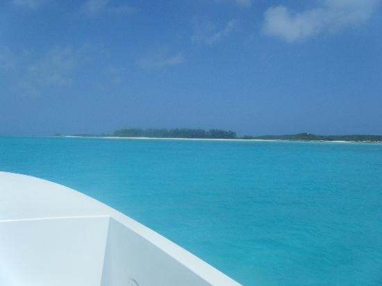 Starfish The Exuma Adventure Center: View from the bow - starboard side