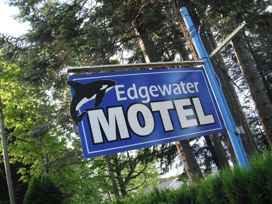 The Edgewater Motel in Campbell River, BC
