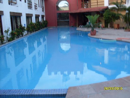 Resort La Torre: piscina