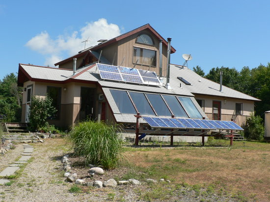 Starlight Llama Bed and Breakfast: Solar Panels of B&B