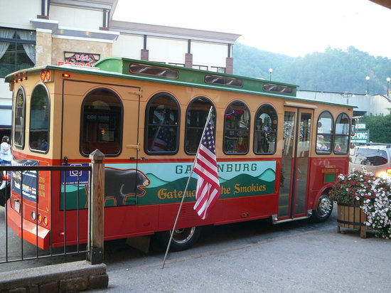 ‪Gatlinburg Trolley‬