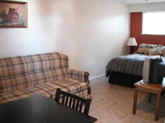 A room at Edgewater Motel in Campbell River, BC...
