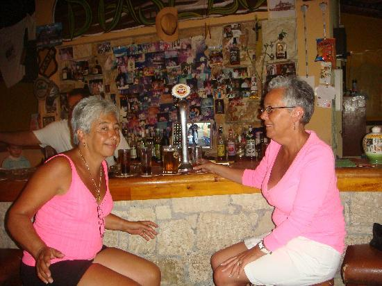 Villa Diasselo: the two ladies at the bar and thats where they  stayed