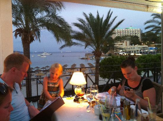Restaurante Maritimo: Beautiful location for a meal