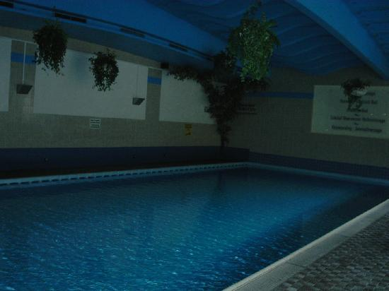 Sporthotel Strass: Hotel swimming pool