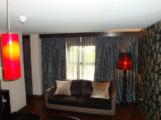The Twelve Hotel: Luxury Suite sofa area