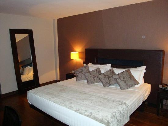 The Twelve Hotel: Bedroom of luxury suite
