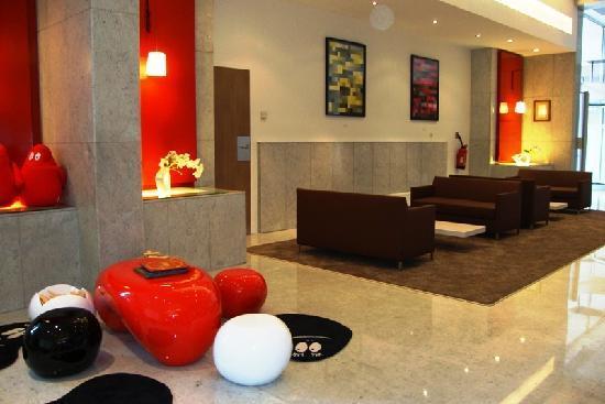 Novotel paris centre tour eiffel hotel voir les tarifs - Hotel novotel tour eiffel piscine ...