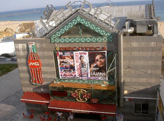 Hotel Avenida Praia: Blick auf die Disco