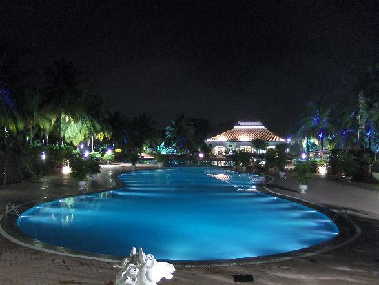 Golden Palms Hotel & Spa: Swimming Pool