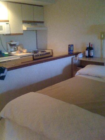 Beachcomber Resort At Montauk: Studio Room