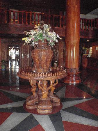 โรงแรมมาเจสติก อังกอร์: Hotel Lobby