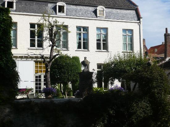 Cote Canal: The B & B from across the canal