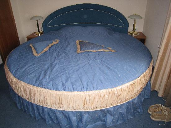 Italia : Le lit a l'italienne de 2.6 m de diamètre...