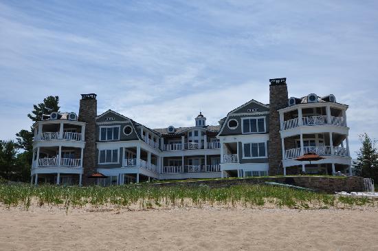 LeBear Residential Resort: directly on Lake Michigan