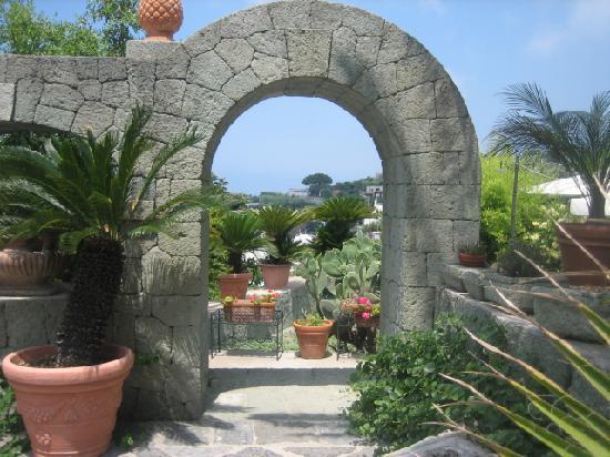 Hotel Parco Maria Terme: angolo giradino