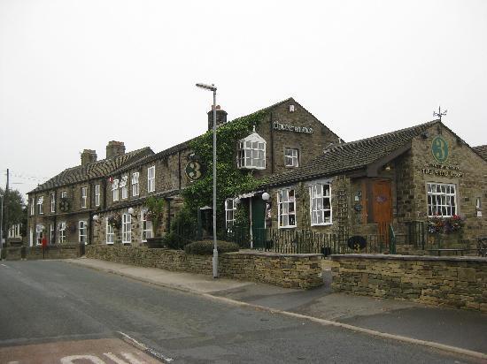 Three Acres Inn & Restaurant: Front of the pub