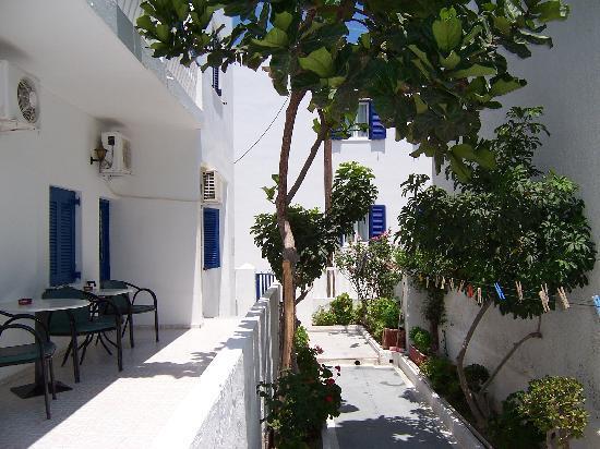 Atlas Group Hotel: Blick von unserem Zimmer in den kleinen Innenhof