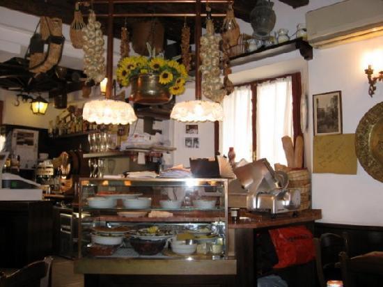 Osteria da Alberto : The bar area of the restaurant