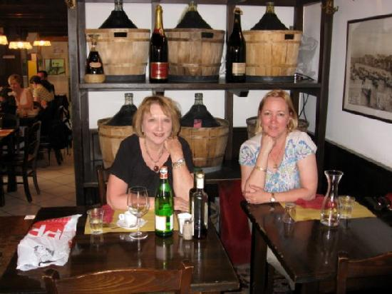 Osteria da Alberto : Ran into a friend (Barb, on the left), which was a surprise