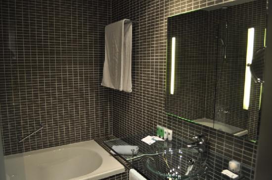Sercotel Ciutat D´Alcoi Hotel: Baño