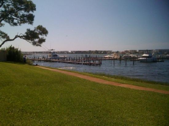 Pirates Bay Guest Chambers & Marina: grounds along Marina of Pirates Bay
