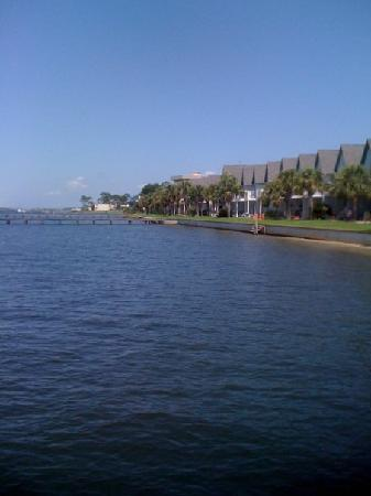 Pirates Bay Guest Chambers & Marina: Condos along the Sound aka Pirates Bay