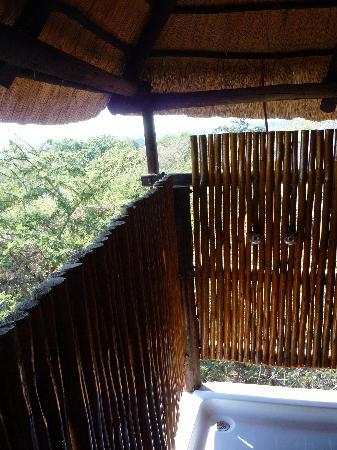 Pezulu Tree House Game Lodge: The shower
