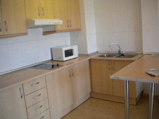 Ontario Apartments: Kitchen