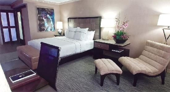 Luxe City Center Hotel : King Room