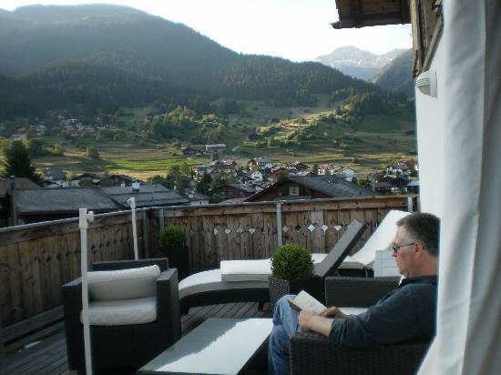 Familienhotel Alpina: Sitting in the veranda
