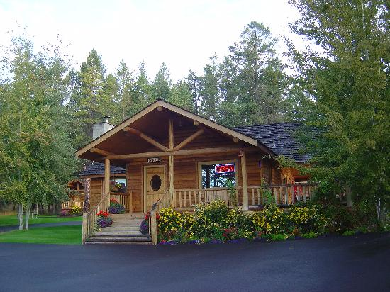 Somers Bay Log Cabin Lodging: The Office
