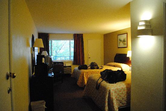 Travelodge Terre Haute: Room